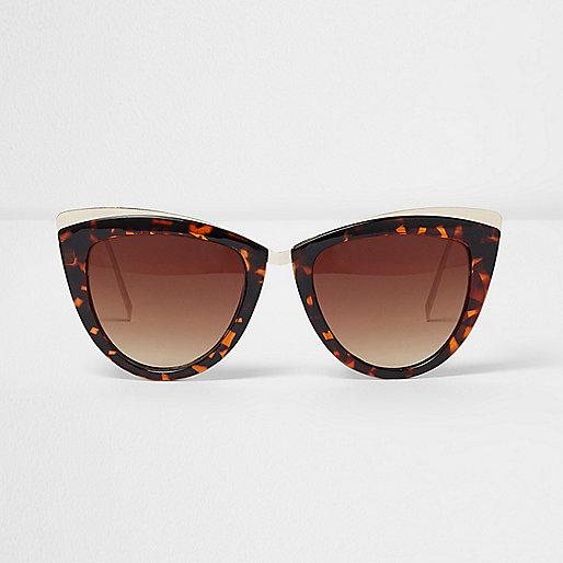 Brown tortoiseshell cat eye sunglasses