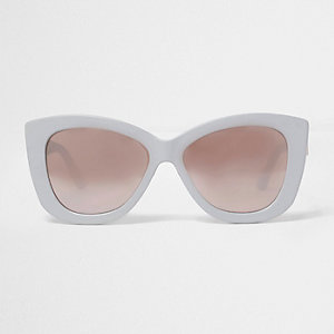 Light grey cat eye sunglasses