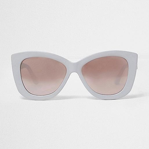 Light grey cat eye sunglasses