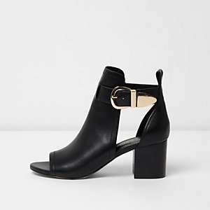 Black buckle shoe boot