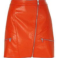 Roter Minirock im Leder-Look mit Reißverschluss