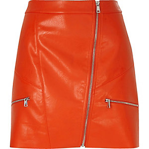 Red leather look zip mini skirt
