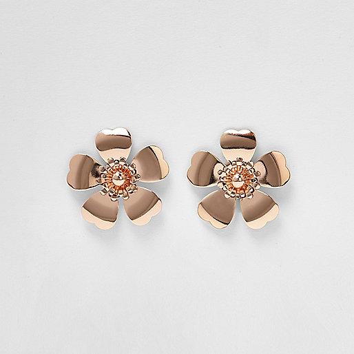 Boucles d'oreilles à grosses fleurs façon or rose