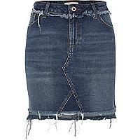 Jupe en jean bleu foncé avec ourlet asymétrique
