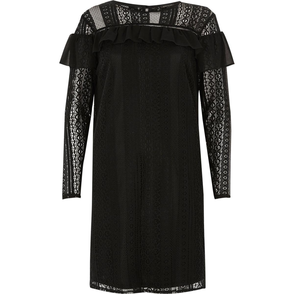 Robe noire en mousseline et dentelle à volants