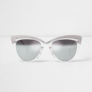 Silberne Sonnenbrille mit verspiegelten Gläsern