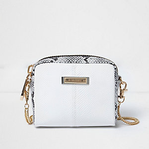 White scale effect mini chain bag