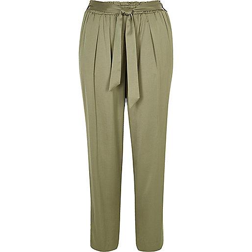 Pantalon fuselé vert clair doux avec ceinture