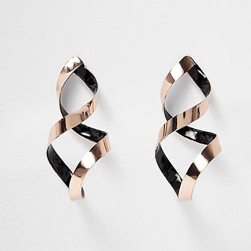 Pendants d'oreilles or rose en forme de spirale