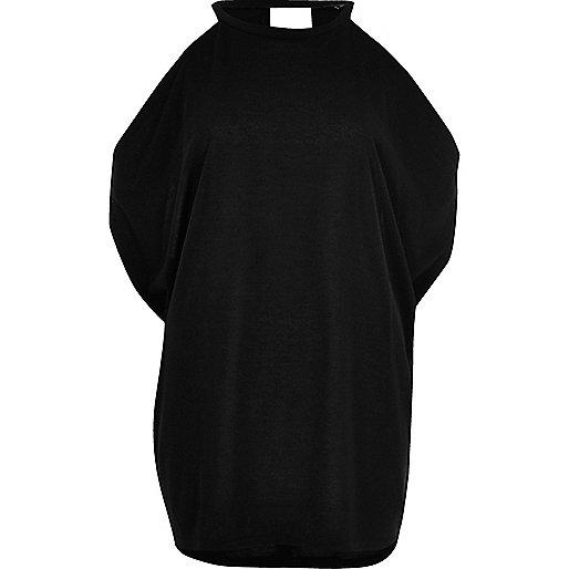 Top noir à manches drapées et épaules dénudées