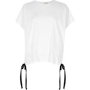 White tie hem T-shirt