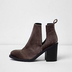Bruine fluwelen laarzen met uitsnede