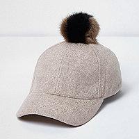 Bonnet en laine beige à pompon