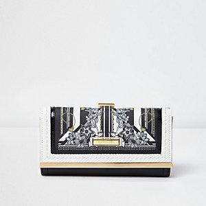 Zwart met witte portemonnee met bloemenprint en druksluiting