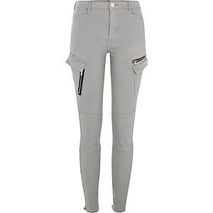 Pantalon coupe skinny gris style militaire