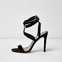 Sandales noires effet cage à bride tour de cheville