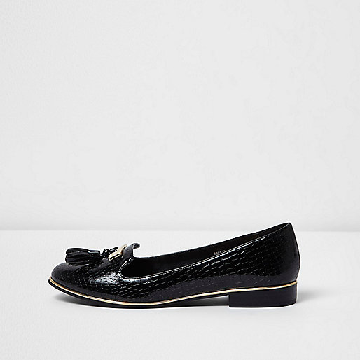 Black patent embossed loafers