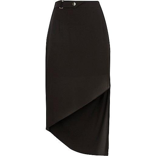 Black buckle waist asymmetric hem skirt