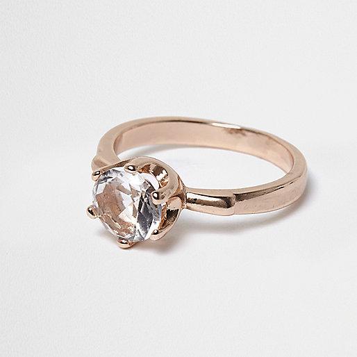 Bague couleur or rose à cristaux
