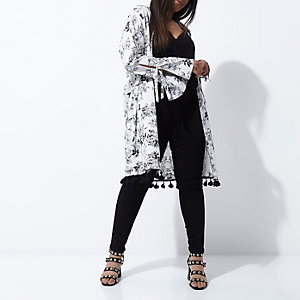 Plus cream floral print tie sleeve kimono