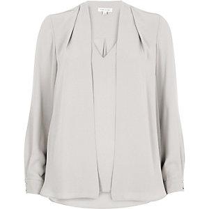 Lichtgrijze 2-in-1 blouse
