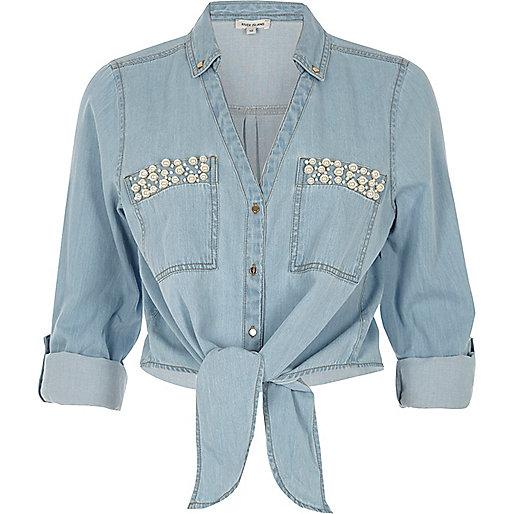 Blauw denim overhemd met strik voor, pareltjes en zak