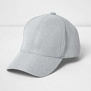 Silberne, glitzernde Kappe
