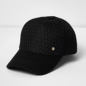 Sportliche Kappe aus schwarzem Mesh