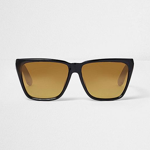 Zwarte zonnebril met hoekige gele glazen