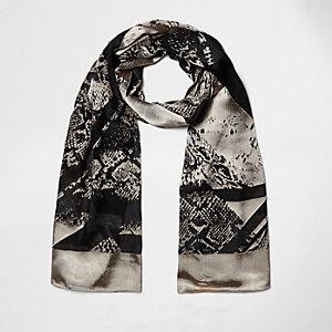 Zwarte gespleten sjaal met dierenprint