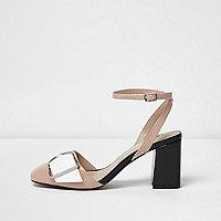 Chaussures chair à bride de cheville, boucle et talons carrés