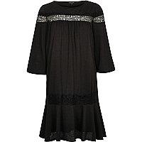 Schwarzes, kurzärmliges Smock-Kleid
