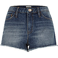 Mid blue wash badge denim hot pants