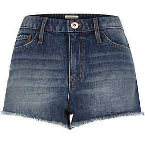 Mini short en jean bleu délavage moyen à écussons