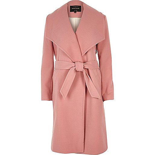 Manteau rose style peignoir