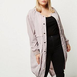 Plus – Pinker, langer Mantel