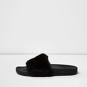 Black faux fur sliders