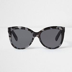 Zwarte en grijze zonnebril met luipaardprint