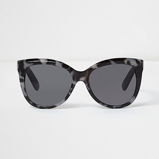 Black and grey leopard print sunglasses