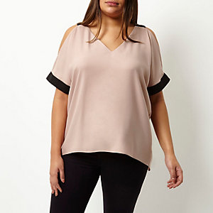 Plus pink cold shoulder V-neck top