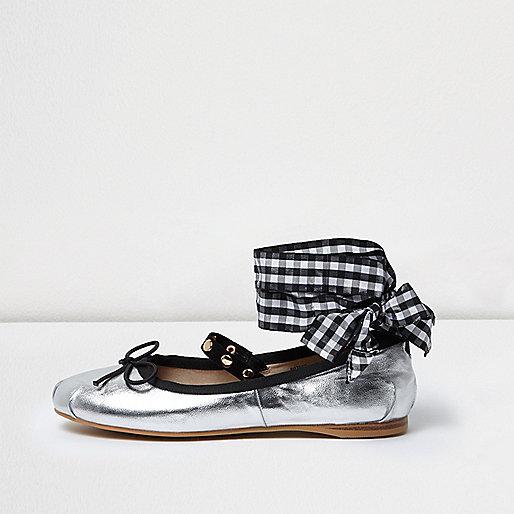 Silver ankle ribbon ballet flats