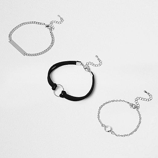 Lot de bracelets argentés motif cercle