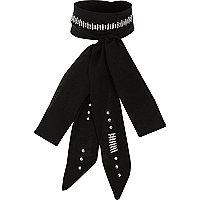 Écharpe mince noire brillante