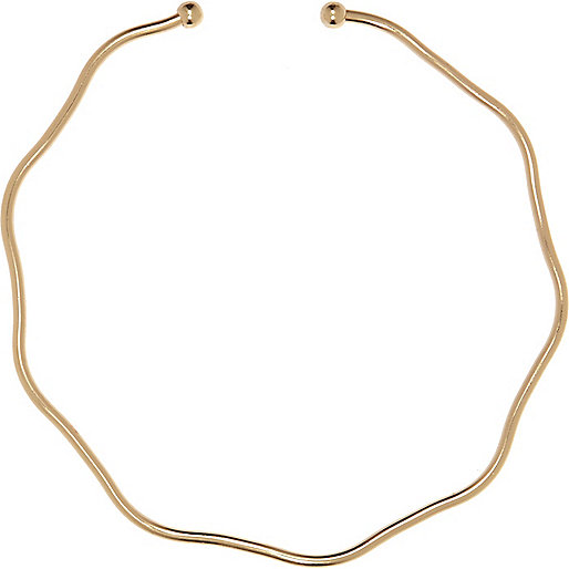 Gold tone kink necklace