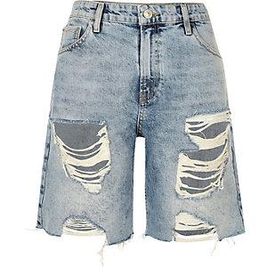 Boyfriend-Shorts in mittlerer Waschung im Used-Look