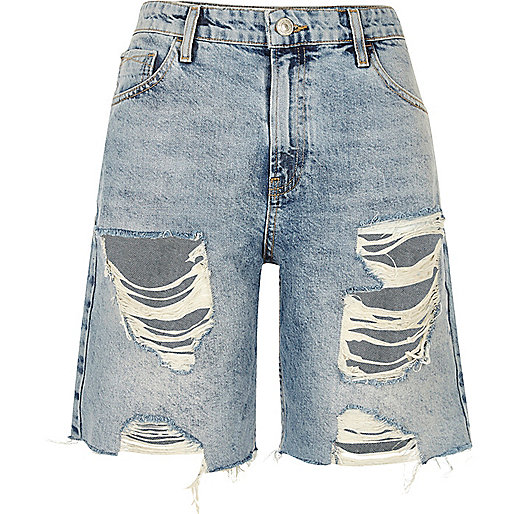 MId wash ripped denim boyfriend shorts