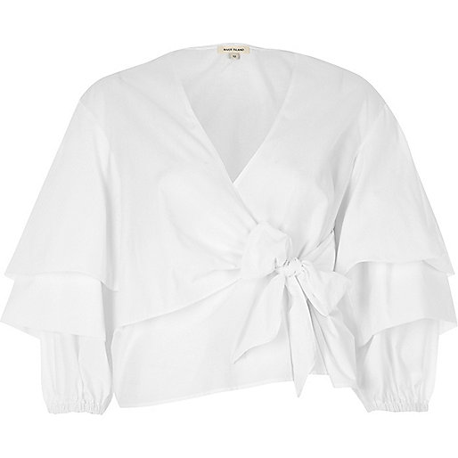 White tied puff sleeve blouse