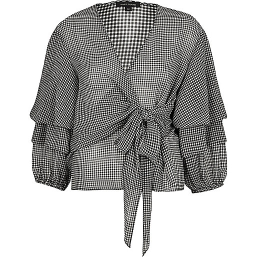 Black gingham puff sleeve chiffon top