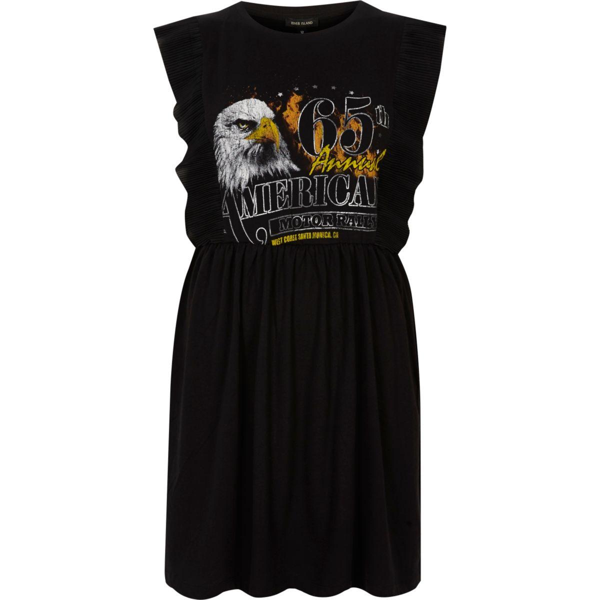Zwarte jurk met rockprint en ruches aan de mouwen