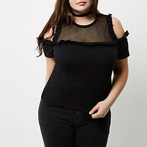 Plus – Top noir avec empiècements en tulle à épaules dénudées avec volant